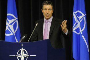 Генсек НАТО предложил сократить на 50% штат Альянса