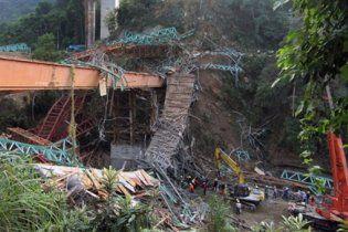 Семеро осіб загинули на Тайвані при обваленні ділянки автостради