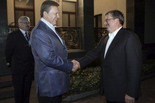 Коморовский с оптимизмом смотрит на перспективы Тимошенко