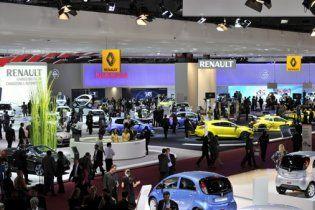 Старейший в мире Парижский автосалон представил 30 мировых премьер