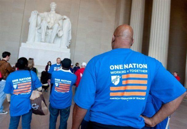 Американці вийшли на вулиці, щоб повернути віру в Обаму
