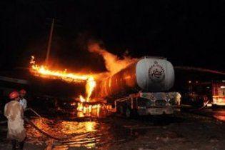 Пакистанські таліби спалили автоколону НАТО