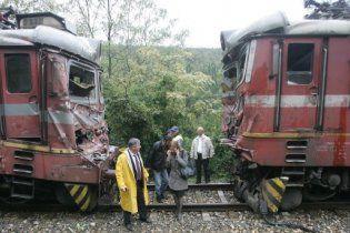 Два потяги зіткнулися в Болгарії, постраждали 19 людей