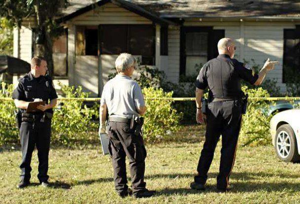 Во Флориде мужчина расстрелял прохожих из своего авто