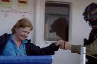 Израиль депортирует обладательницу Нобелевской премии
