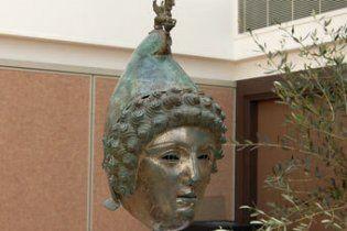 Випадково знайдений римський шолом продали за 3,6 мільйона доларів