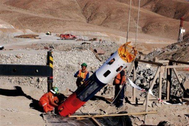 Рятувальники наблизилися до чилійських гірників на відстань 100 м