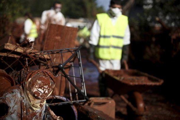 Через загрозу нового розливу хімікатів в Угорщині оголошено евакуацію