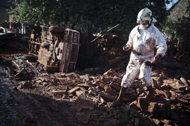 Из-за угрозы нового разлива химикатов в Венгрии объявлена эвакуация