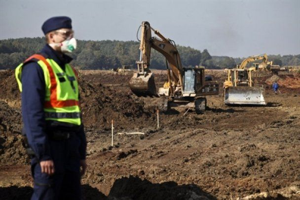 В Венгрии завершается строительство дамбы