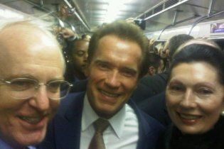 Шварценеггер прокатился в московском метро