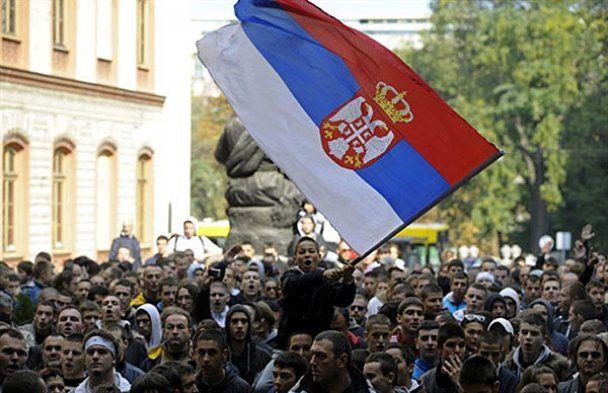 Гей-парад у Сербії завершився кривавою бійкою