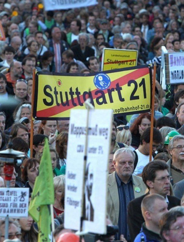 У Штутгарті 150 тисяч німців вимагали зупинити будівництво вокзалу