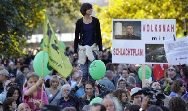 Німці вважають, що їхні політики далекі від реальності