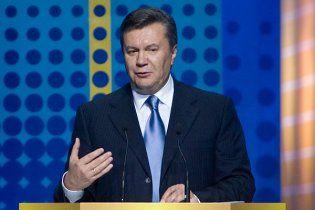 Янукович пообещал больным раком построить урановый завод