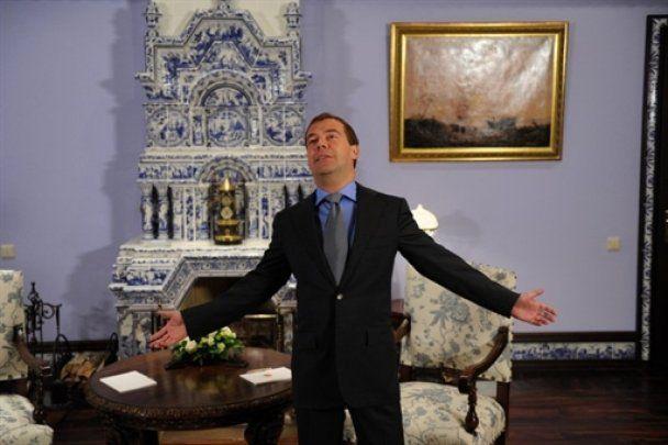 """Мєдвєдєв покатав Шварценеггера на """"Чайці"""" і запропонував посаду мера Москви"""