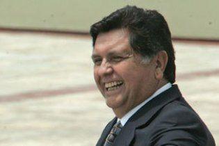 Президент Перу дав ляпаса чоловікові, який звинуватив його в корупції