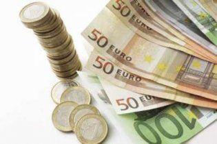 Курс евро на межбанке упал ниже 11 грн