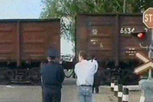 Катастрофа на Дніпропетровщині: потяг протаранив автобус, є жертви