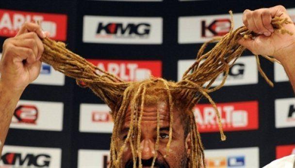 Бриггс устроил скандал на пресс-конференции с Виталием Кличко