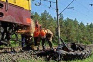 Поблизу Запоріжжя потяг протаранив трактор: загинув тракторист