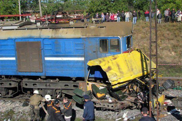В Марганце вспомнили жертв трагической аварии. Те, кто выжил, до сих пор страдают