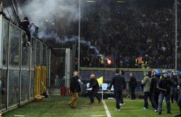 Президент Сербії приніс вибачення Італії за дику поведінку фанатів у Генуї