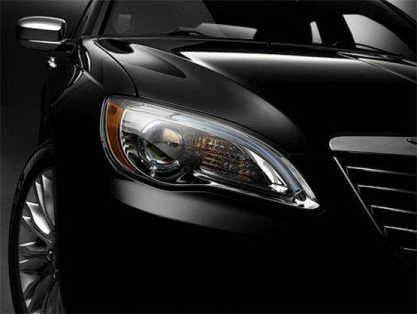 Chrysler розсекретив новий седан