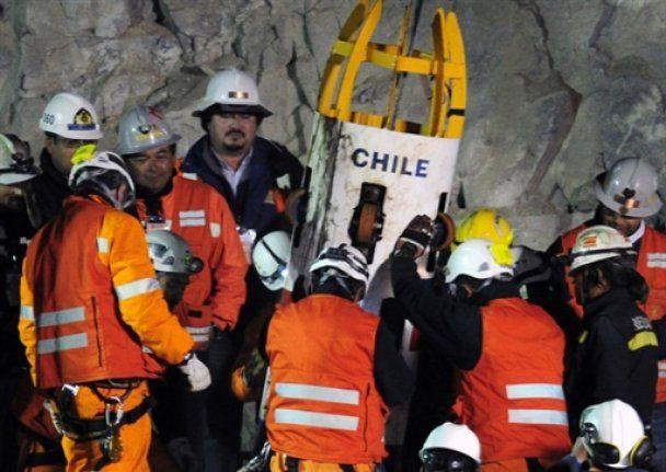 В Чили из двухмесячного подземного плена освободили 17 горняков