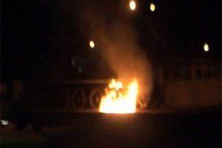 В честь годовщины УПА киевские националисты сожгли мемориал с танком
