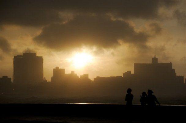 Тропический шторм затопил Гавану