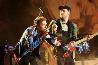 Лідер Coldplay нагородив продюсера групи