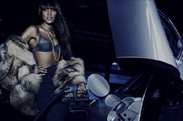 Наоми Кэмпбелл наградили за долголетие в моде