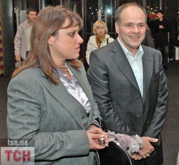 Азаров і Симоненко з дружинами сміялись над політиками