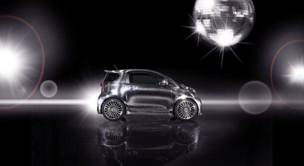 Toyota випустила гламурний концепт iQ Disco: диско на колесах