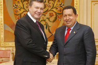 Янукович: Украина будет добывать нефть и газ в Венесуэле