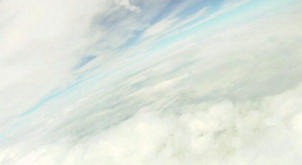 iPhone запустили в космос: он прислал уникальное видео с орбиты