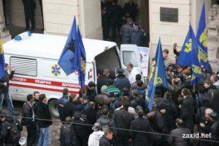Во Львове член теризбиркома от ПР подала в милицию заявление об избиении