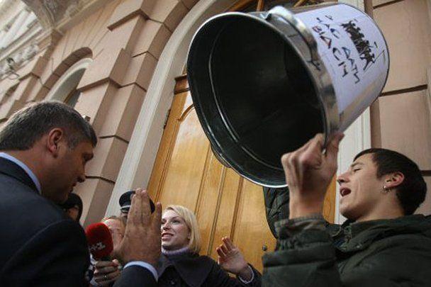 """В Києві протестували проти закону """"Про мови в Україні"""""""