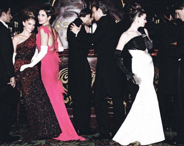 Королевская фотосессия Энн Хэтэуэй для Vogue US