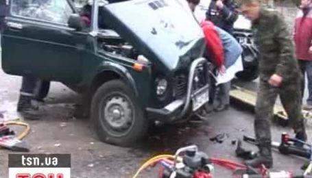 В Чернигове возле школы машина сбила насмерть 7-летнюю девочку