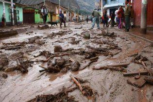 В Перу сильное наводнение затопило целый город