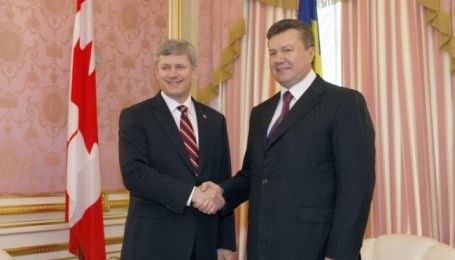 Янукович перепутал имя премьер-министра Канады