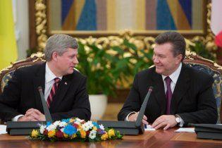 Канадський прем'єр почув від Януковича демократичні клятви