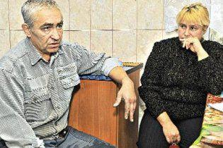 Донецкие гаишники заставили отца, сына которого сбил милиционер, самому везти тело в морг