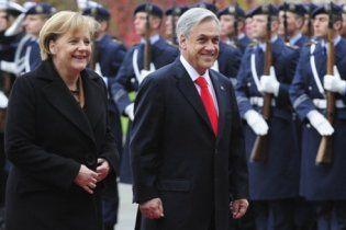 Президент Чилі наспівав у Німеччині гімн Третього рейху