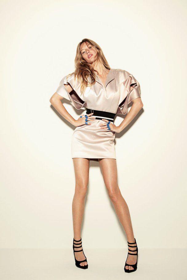 Очаровательная фотосессия Жизель Бюндхен для Vogue Brazil
