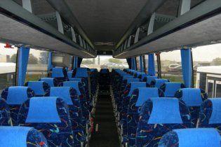 Пасажирів автобусів пристібатимуть пасками безпеки