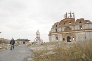 Ющенко платить будівельникам своєї дачі 10 гривень в день