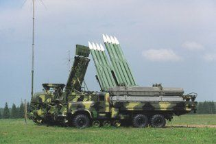 Януковича по дорозі на роботу будуть охороняти від ракетного удару